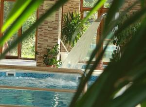 Aranybánya Hotel - Beltéri medence