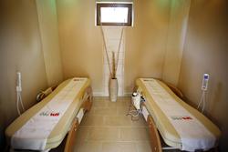 Aranybanya Hotel Telkibánya - Jadeköves masszázs ágyak