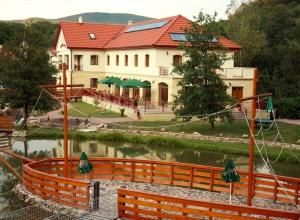 Aranybánya Hotel Telkibánya - A Kalandpark felől 2