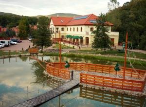 Aranybánya Hotel Telkibánya - A Kalandpark felől 3